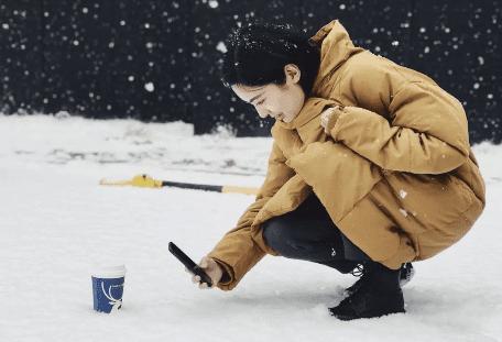 开工还是看雪?看瑞幸咖啡这波营销,稳!