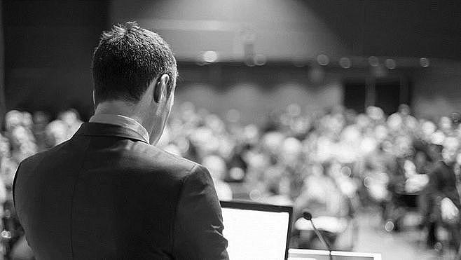 实用干货丨创业者如何做一次精彩成功的 PPT 演讲?